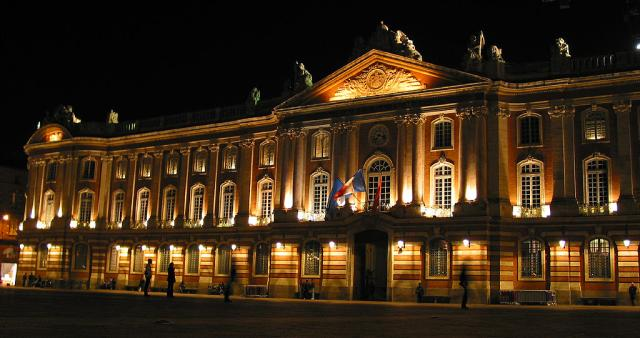 Place du Capitole - Photo par Bruno CENDON - License GFDL -